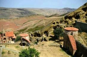 Berühmtes Höhlenkloster aus 6. Jahrhundert